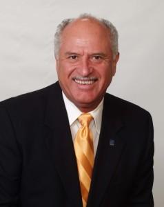 2009-Cecil-Lara